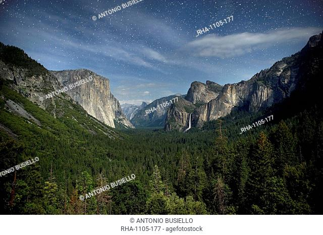 Yosemite Valley and night sky with stars, Yosemite National Park, UNESCO World Heritage Site, Yosemite, California, United States of America, North America