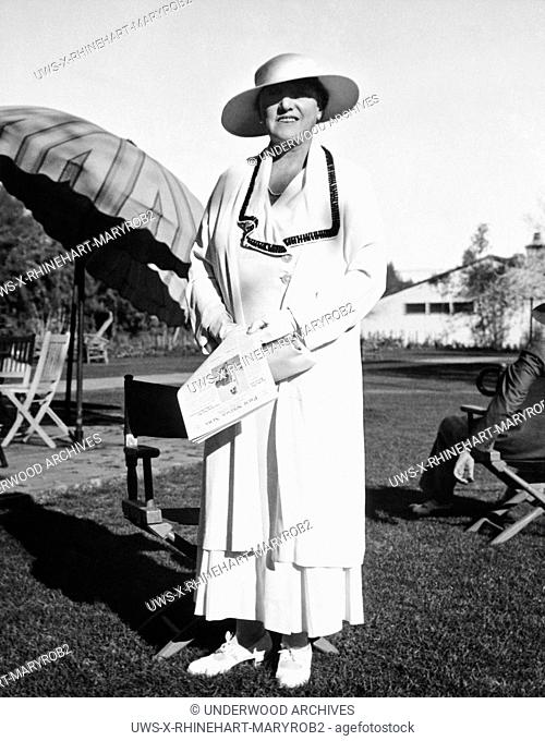 Palm Springs, California: January 26, 1934.Author Mary Roberts Rhinehart at the Desert Inn in Palm Springs where she is recuperating from a recent illness