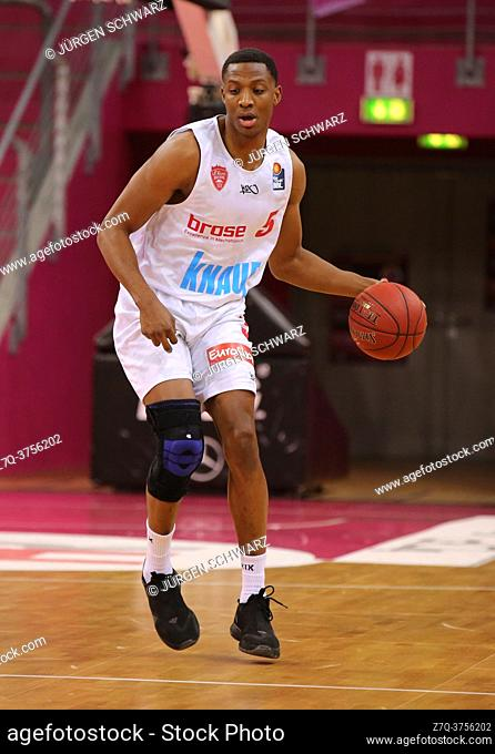 Bonn, Germany, 09. 01. 2021, Telekom Dome, Basketball Bundesliga, Telekom Baskets Bonn vs s. Oliver Wuerzburg: Justin Sears (Wuerzburg) controls the ball