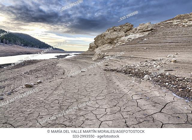 Sunrise and Drought at Belenia reservoir. Guadalajara. Spain