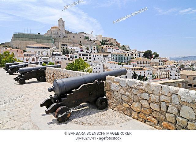 Cannons, Catedral de las Nostra Senyora Neus cathedral, Dalt Vila, historic old town, Unesco World Heritage Site, Ibiza, Pityuses, Balearic Island, Spain