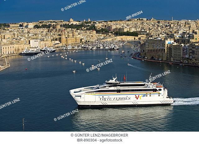 The Three Cities, Vittoriosa with Fort San Angelo and a ferry from Sicily, from La Valletta with Grand Harbour, Malta, Europe