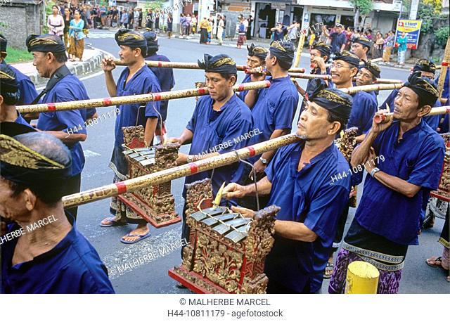 Asia, Bali, Asia, Denpasar, Gamelan Orchestra, Indonesia, cremation ceremony, men, music, musician, no model release