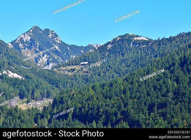 Passo della Moistrocca, Werschitz- oder Werschetzpass. Vrsic Pass in slovenia in autumn