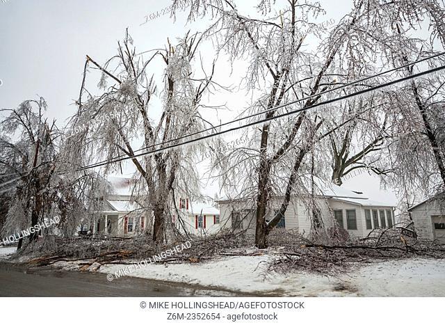 Damaging ice storm hits Mound City Missouri, December 10-11 2007
