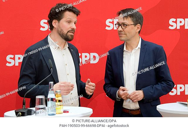 03 May 2019, Lower Saxony, Hanover: Alptekin Kirci (l), Chairman of the SPD Hanover City Association, and Marc Hansmann, are at a press conference