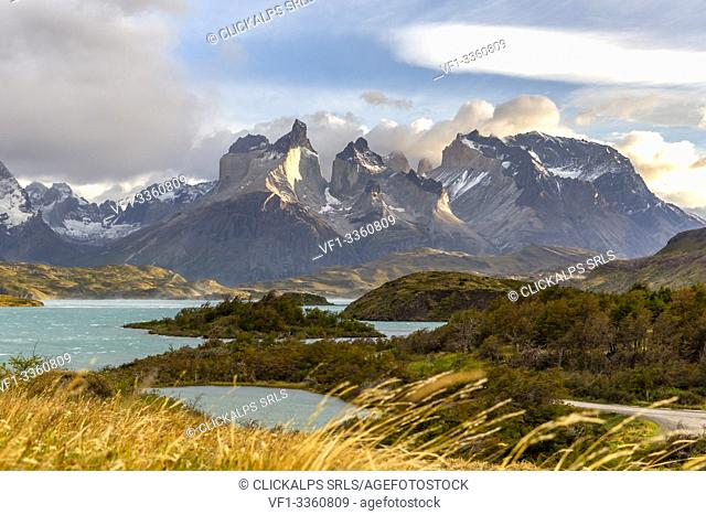 Chile, Patagonia, Magallanes and Chilean Antarctica Region, Ultima Esperanza Province, Torres del Paine National Park, early morning at Lake Pehoé with Paine...