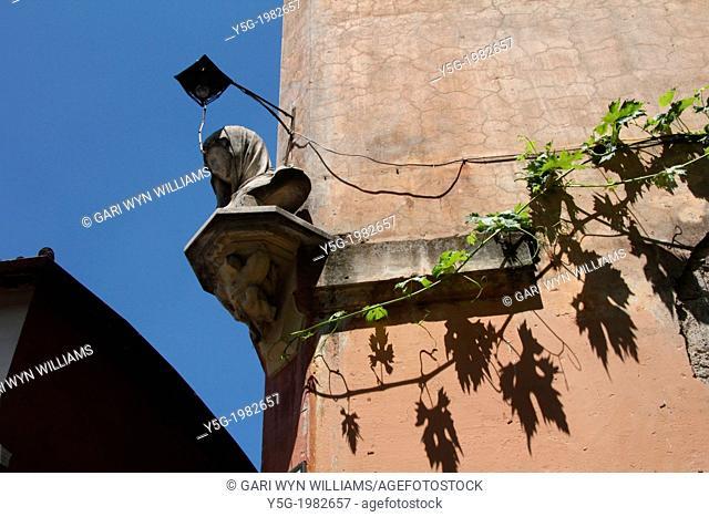 street scene in trastevere in rome italy