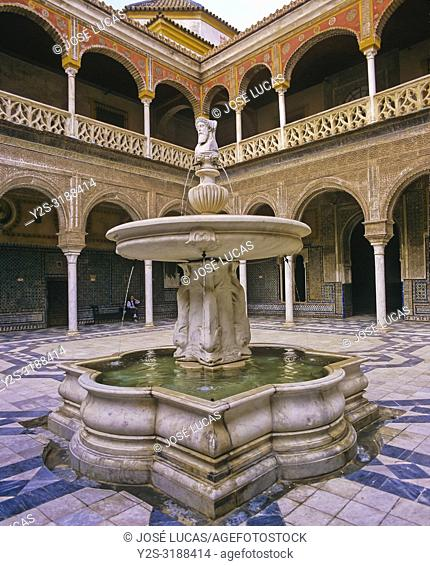 Casa de Pilatos Palace (16th century), Courtyard whith fountain of Roman god Janus Bifrons, Seville, Region of Andalusia, Spain, Europe