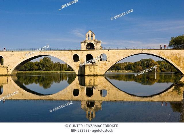 Bridge St. Benezet, Pont d Avignon, Avignon, Provence-Alpes-Cote d Azur, France
