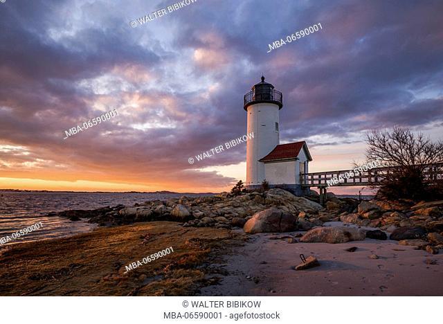 USA, Massachusetts, Cape Ann, Gloucester, Annisquam, Annisquam Lighthouse, winter, sunset