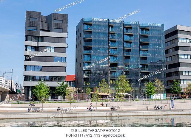 France, Lyon, Quays of the Saône River, Quartier Confluence, marina, harbour, building Photo Gilles Targat