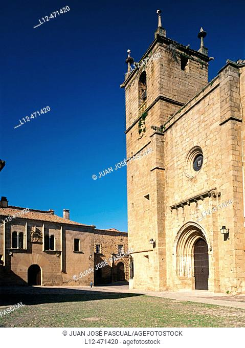 St. Mary's church and square, Cáceres. Extremadura, Spain