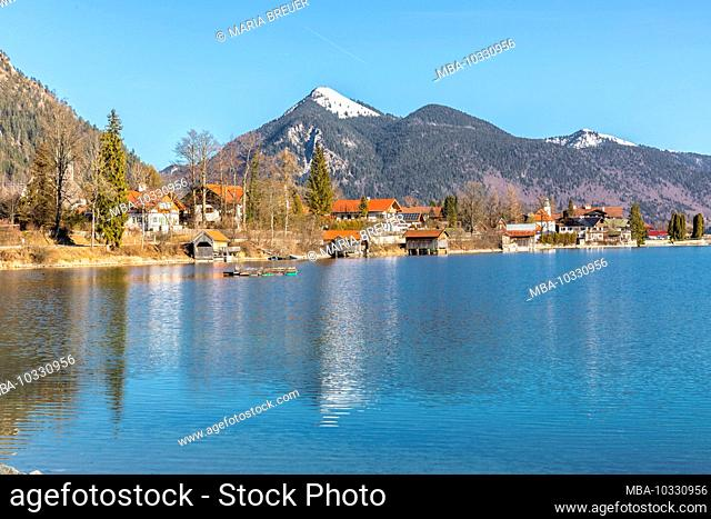 Walchensee, rear Heimgarten, 1791 m, and Herzogstand, 1731 m, Bavaria, Germany, Europe