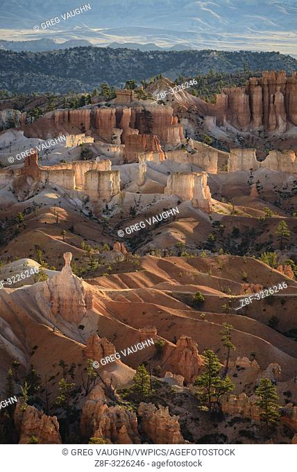 Bryce Canyon at sunrise from Sunset Point; Bryce Canyon National Park, Utah