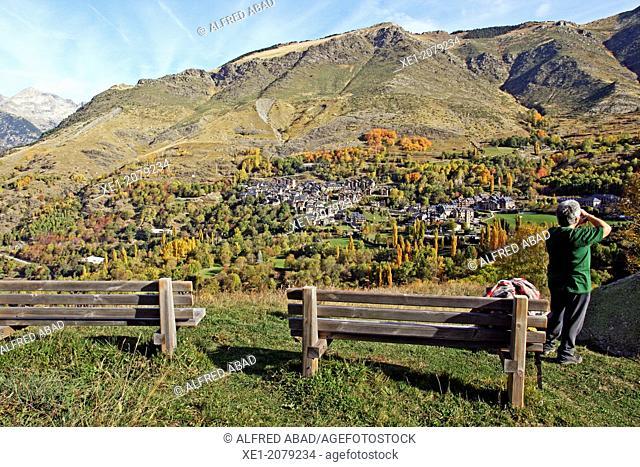 Benches, gazebo, Taüll, Vall de Boi, Pyrenees, Catalonia, Spain