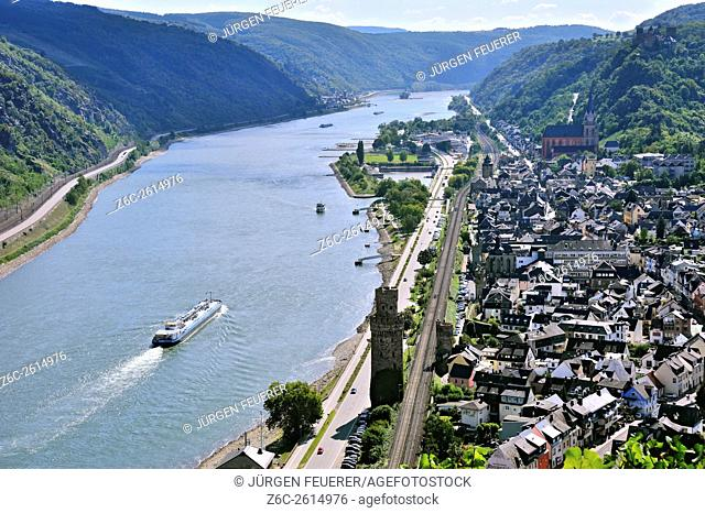 Town Oberwesel with town wall and watchtowers and the river Rhine, Upper Middle Rhine Valley, Germany