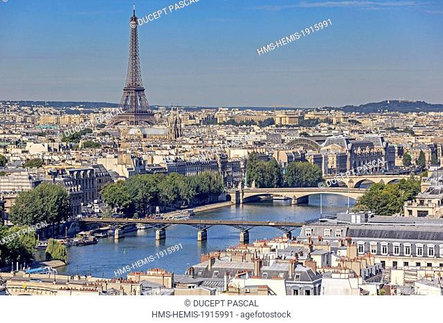 France, Paris, area listed as World Heritage by UNESCO, the pont des arts (arts bridge), the left bank with the Orsay museum