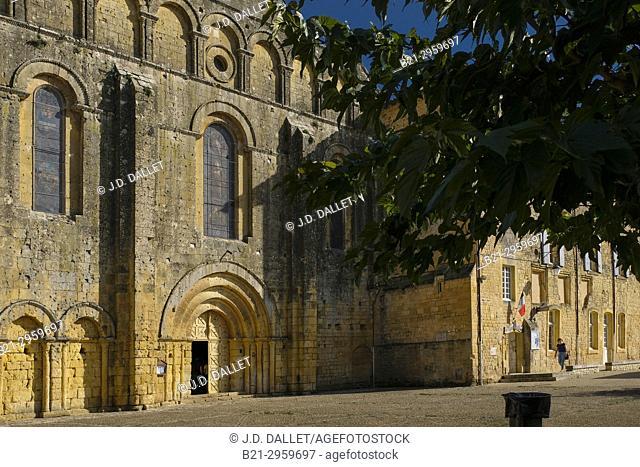 France, Nouvelle Aquitaine, Dordogne, Cadouin church and Abbey, 12th-14th centuries Pilgrimage way to Santiago de Compostela