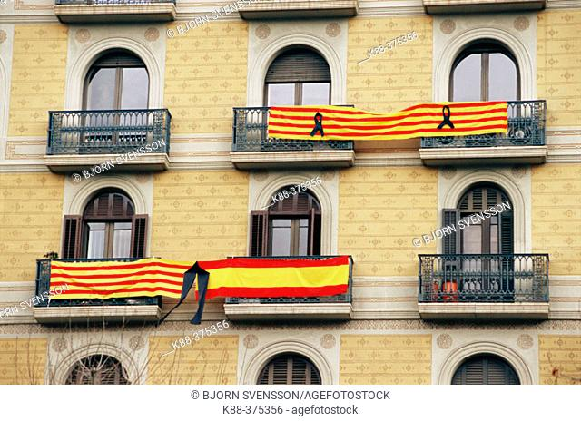 Signs of solidarity after terrorist attack in Madrid, 03.11.04. Barcelona. Spain