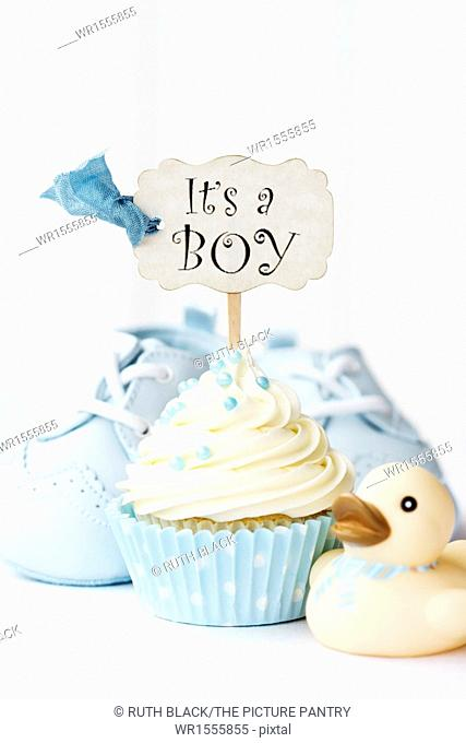 Cupcake with it's a boy pick