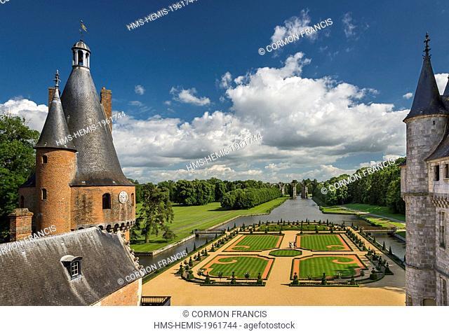France, Eure et Loir, Maintenon, Chateau de Maintenon, New French garden, commissioned by the Eure et Loir General Council and directed by Patrick Pottier