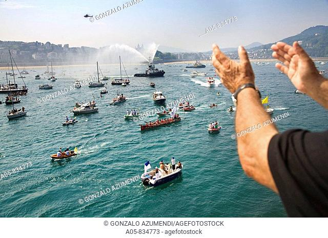 'Bandera de La Concha' rowing boat competition held annually in La Concha bay on the first two weekends in September, it draws crowds of people and rowing teams