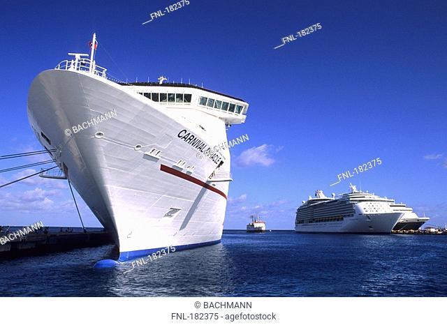 Cruise ship in sea, Caribbean Sea, Quintana Roo, Yucatan, Mexico