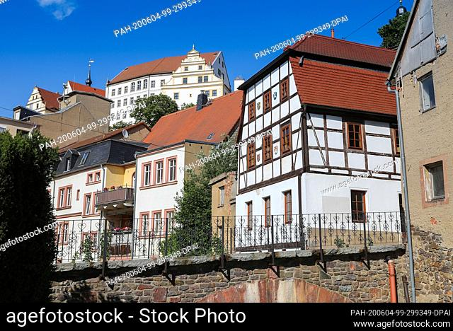 """02 June 2020, Saxony, Colditz: Colditz Castle rises above the small town of the same name. The """"""""Castle Colditz"""""""" is internationally famous: During the Second..."""
