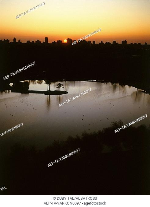 Aerial photograph of the Yarkon park at sunset