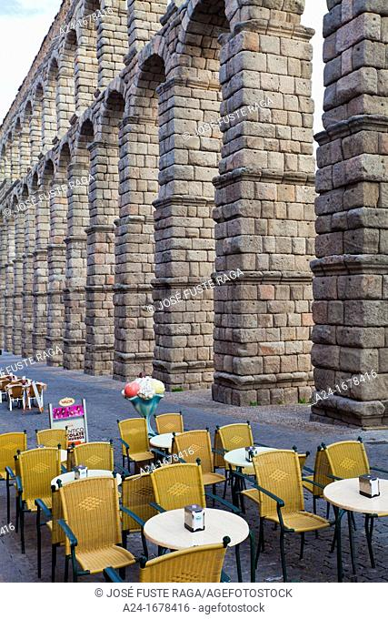 Roman aqueduct and outdoor cafe, Segovia, Castilla-Leon, Spain