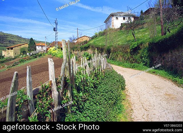 Xanas Route. Pedroveya, Asturias, Spain