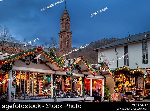 Christmas market on University Square in the Old Town of Heidelberg, Heidelberg, Baden-Wuerttemberg, Germany, Europe