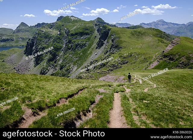 ascending Ayous peak, Ayous lakes tour, Pyrenees National Park, Pyrenees Atlantiques, France