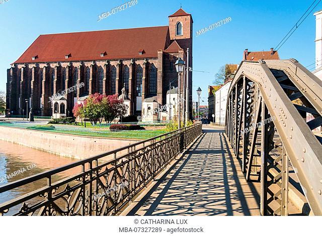 Poland, Wroclaw, Oder bridge, Most Mlynski, Church of Our Lady on the Sand