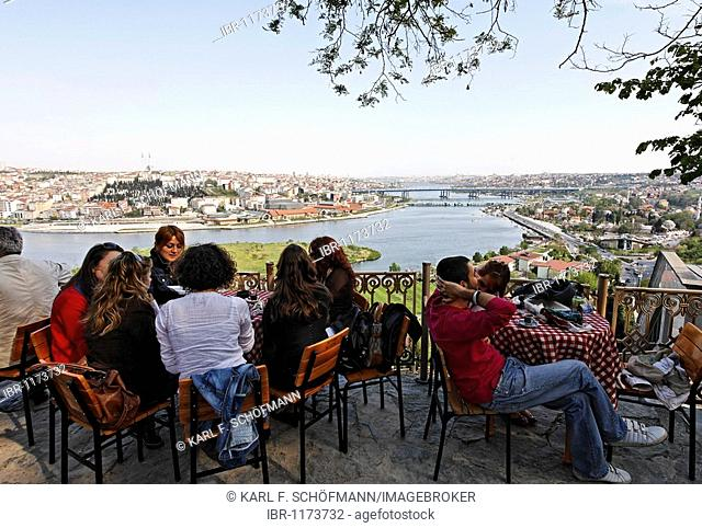 Panoramic view over the Golden Horn, Pierre Loti cafe, Eyuep, Istanbul, Turkey