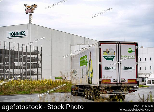 A truck drives to the grounds, headquarters of the Toennies group in Rheda-Wiedenbrueck on July 27th, 2020.  | usage worldwide