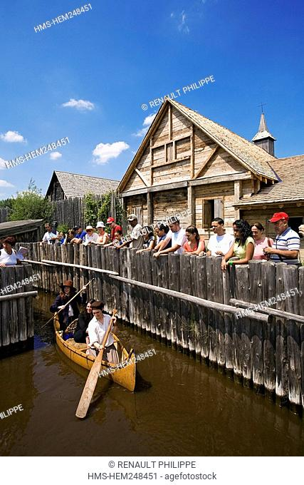 Canada, Ontario Province, Midland-Penetanguishene Region, Sainte Marie among the Hurons, Museum of Hurony and Huron-Ouendat village rebuilt, arrival in canoe