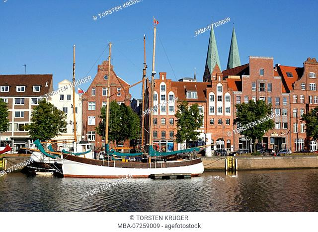 Historic houses at the Untertrave, Lübeck, Schleswig-Holstein, Germany, Europe