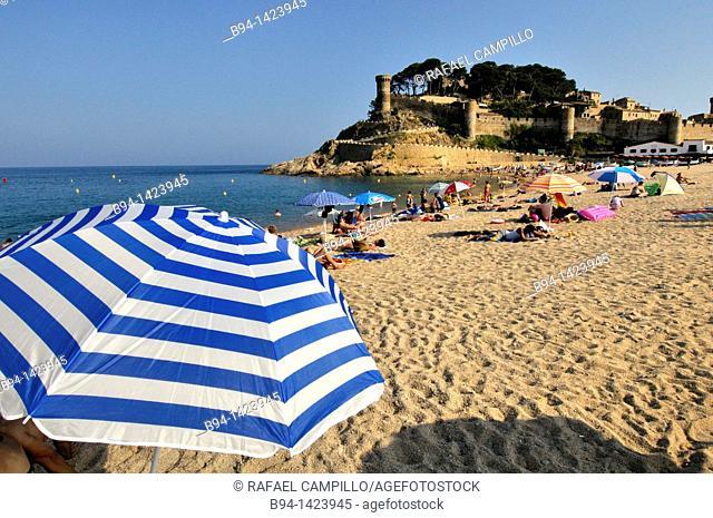 Tossa de Mar (view of the Vila Vella enceinte from the beach), Costa Brava, Girona, Catalonia, Spain