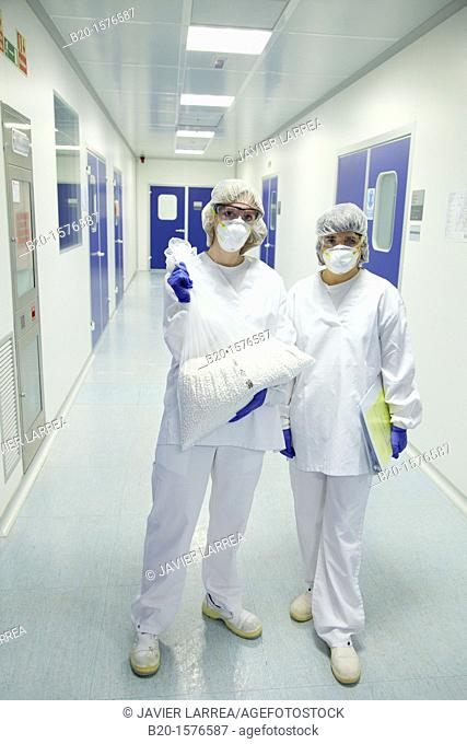 Technicians with drug samples, Clean room, Pharmaceutical plant, Drug manufacturing plant, Research Center, Pharmacy, Area Health