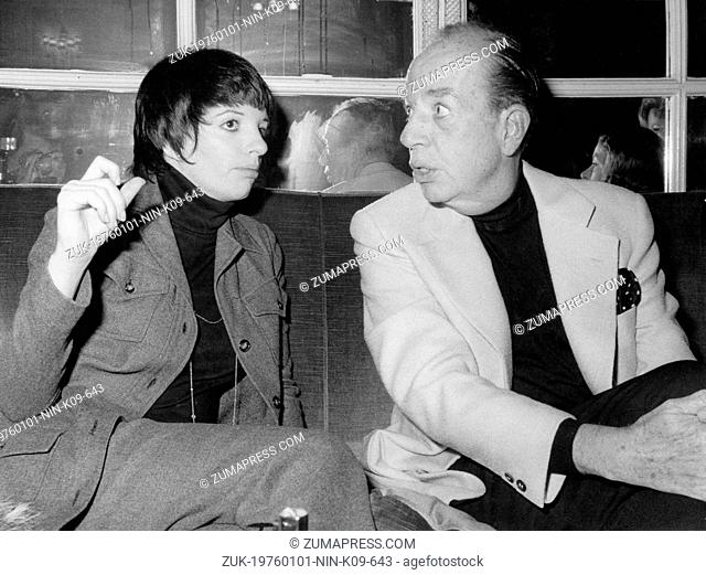 June 20, 1976 - Rome, Italy -Singer LIZA MINNELLI on set of the film 'Nina,' with her father, director of the film, VINCENTE MINNELLI