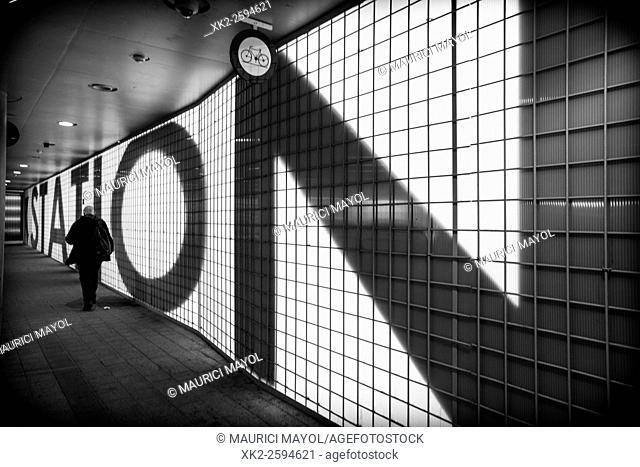 Station back light sign, No bikes, Gent-sint-Pieters, Belgium