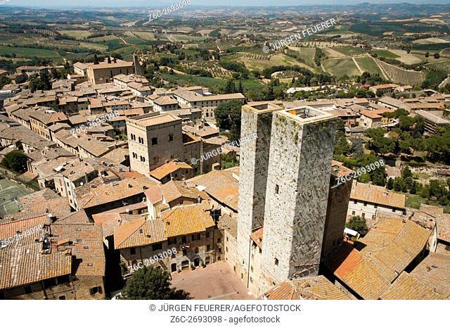 Twin towers of Ardinghelli, San Gimignano, Tuscany, Italy