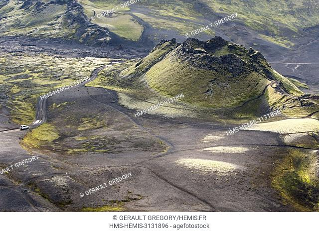 Iceland, South Iceland, national park of Skaftafell, volcanic region of Lakagigar, crater, 4x4 on the track F207