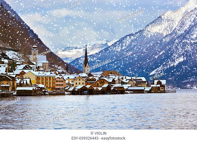 Village Hallstatt on the lake Hallstatter at winter - Salzburg Austria