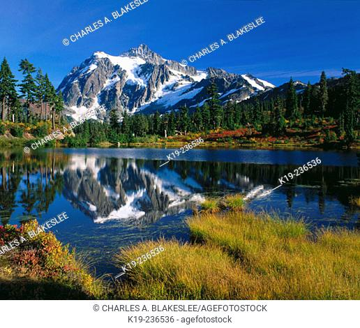 Mount Shuksan. North Cascades National Park (late afternoon, october) Whatcom County. Washington. USA