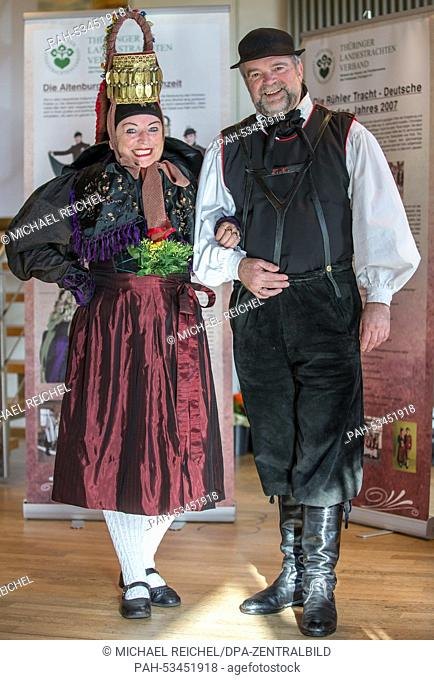 Annemarie Dobiezynski and Volker Kibisch in traditional costume at the annual general meeting of Thuringian local costume groups in Wechmar, 08 November 2014