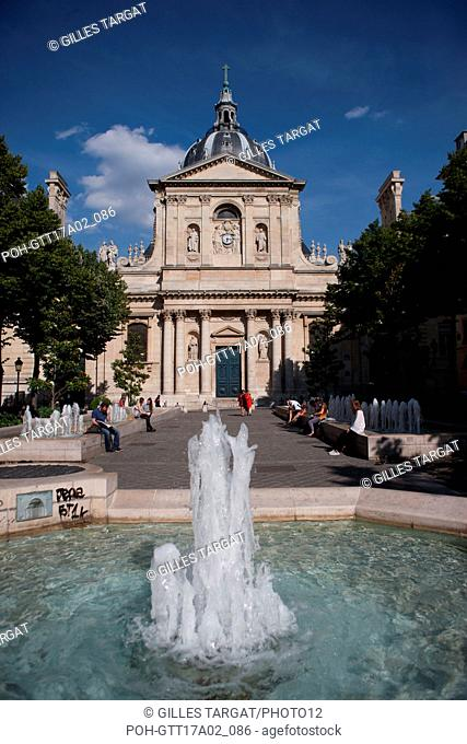 France, Ile de France region, Paris, place de la sorbonne, facade of the Sorbonne Chapel, boulevard Saint Michel, jets d'eau, Photo Gilles Targat