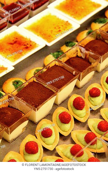 Desserts'buffet, cocktail, sweets petits-fours, pies, cakes